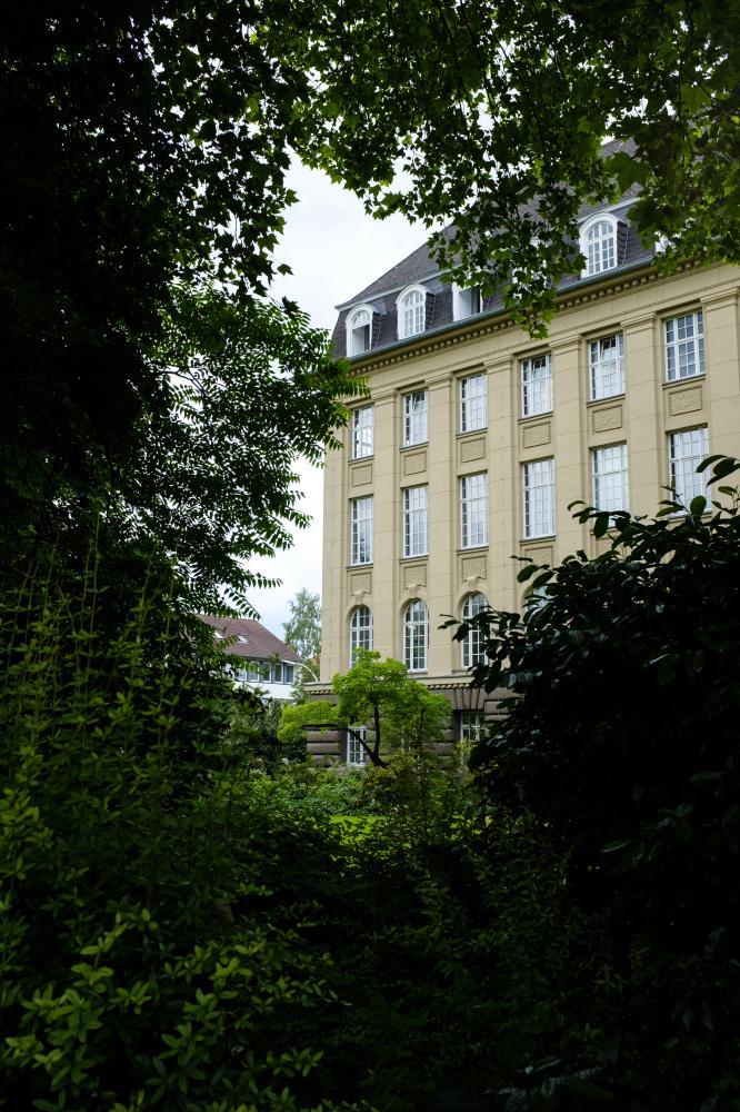O Instituto de Matemática da Universidade de Bonn, na Alemanha.(Nyani Quarmyne para a Quanta Magazine)