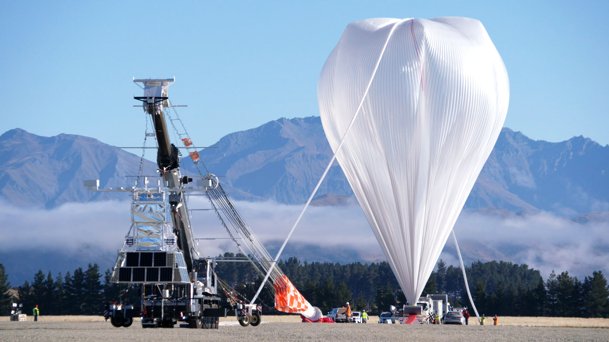 "<p>Track the balloon's flight path <a href=""https://www.csbf.nasa.gov/newzealand/wanaka.htm"">here.</a></p>"