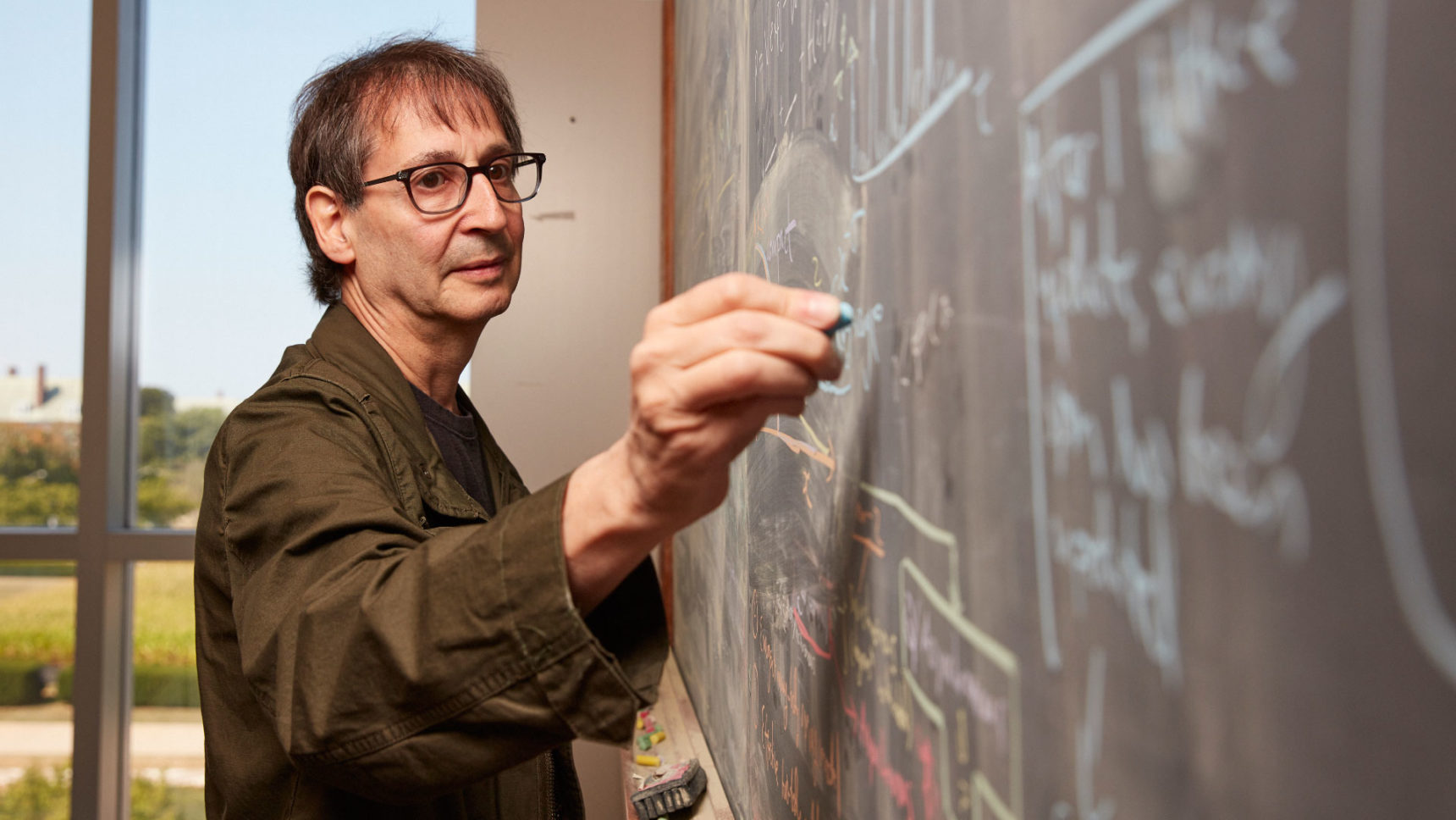VIDEO: Nigel Goldenfeld explains how condensed matter physics provides insights into the collective state of early life on Earth.
