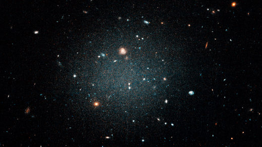 Photo of the cosmos by the multi-lensed Dragonfly telescope