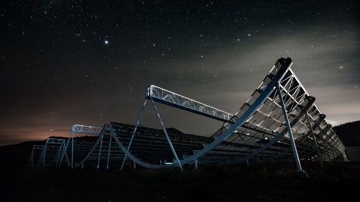 """Photo lede for """"With a Second Repeating Radio Burst, Astronomers Close In on an Explanation"""""""