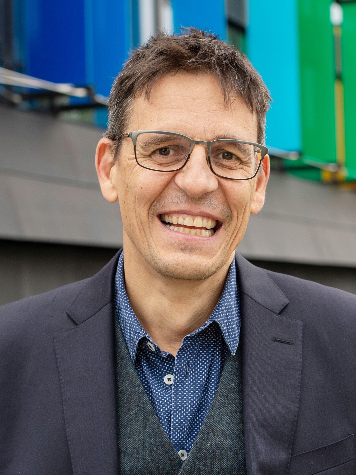 Portrait of Didier Queloz