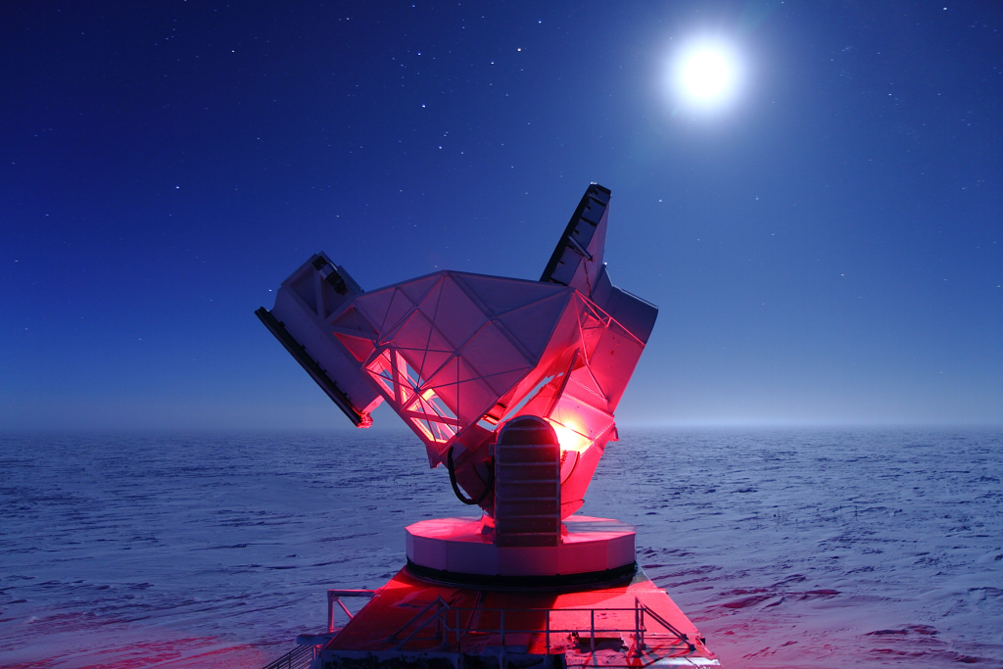 The South Pole Telescope at night.