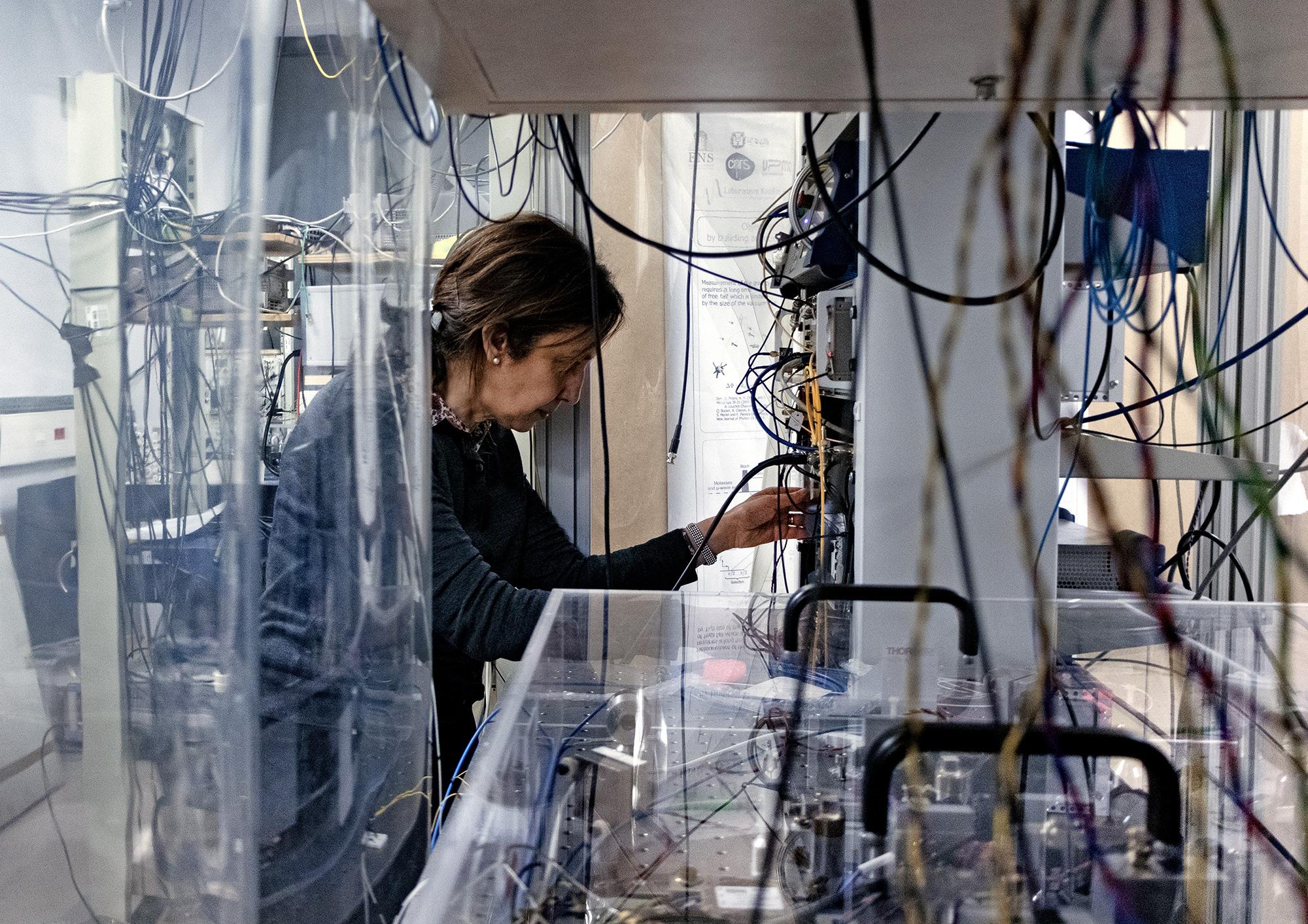 Saïda Guellati-Khélifa in her laboratory in Paris.