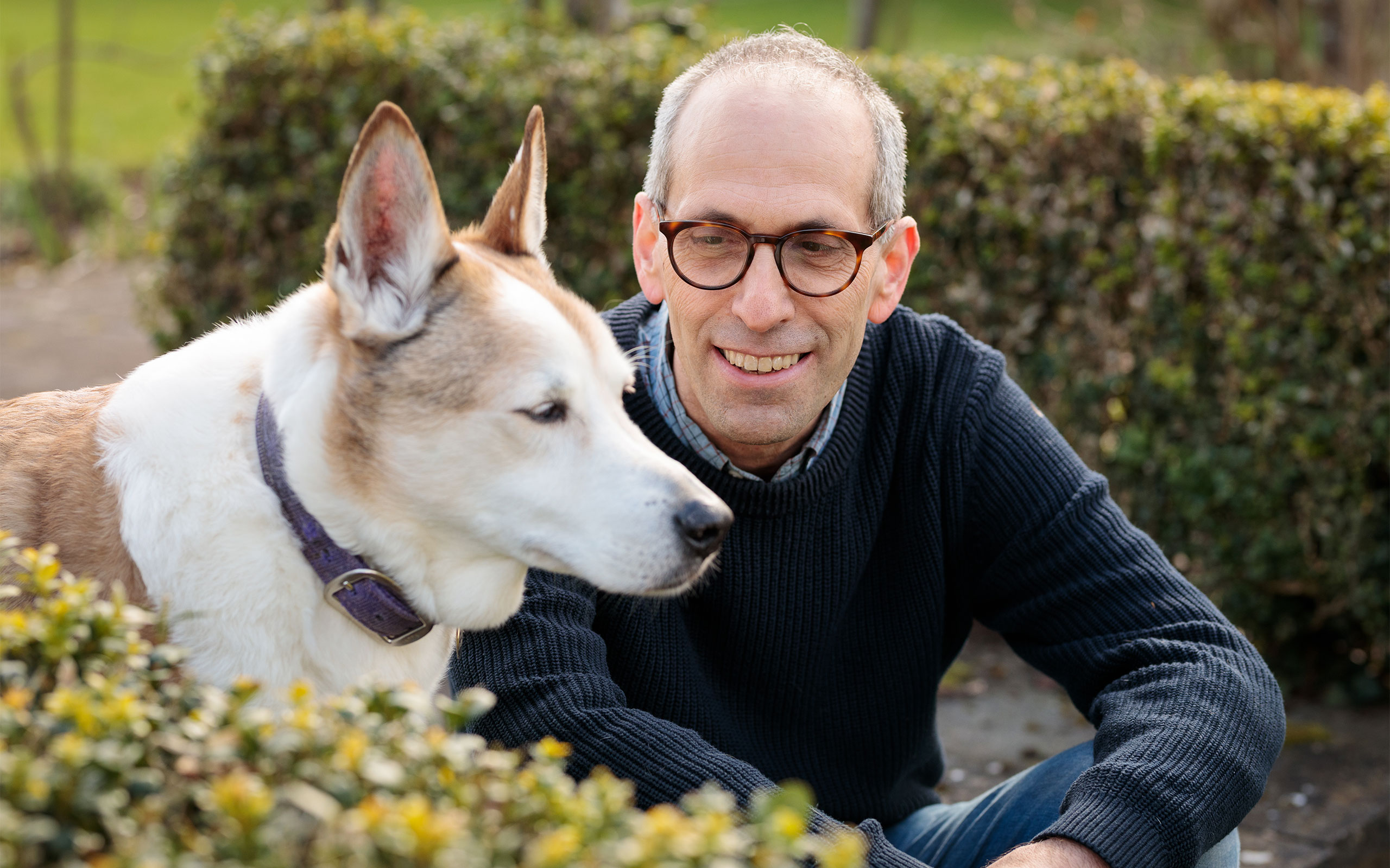 The zoologist Arik Kershenbaum of the University of Cambridge and his dog.