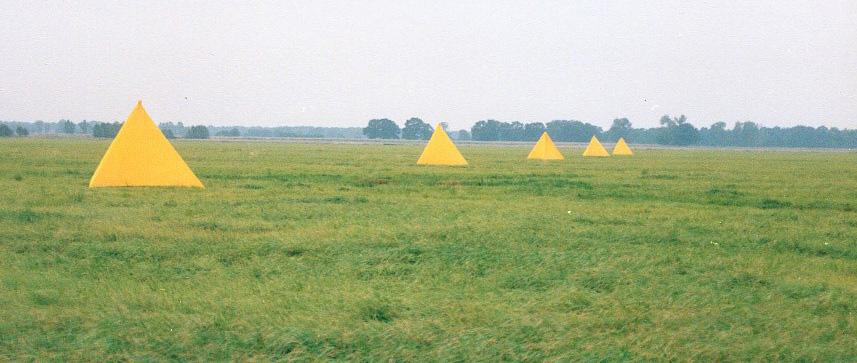 Photo of tetrahedral tent landmarks.